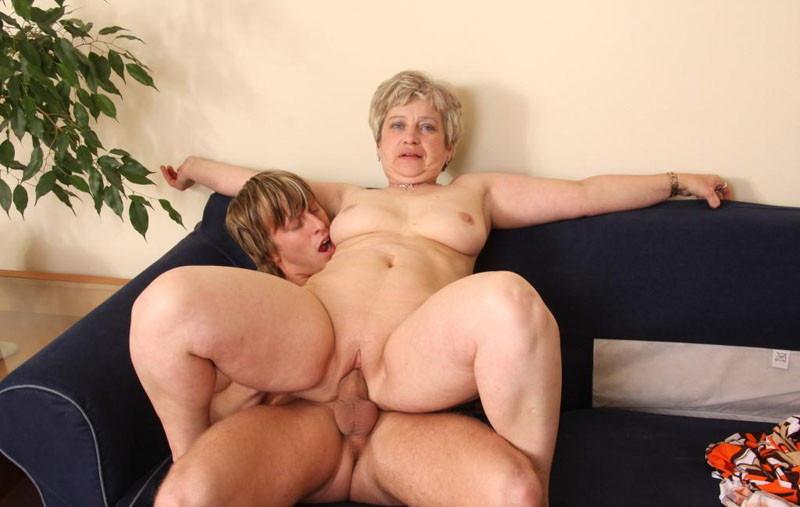 пожилые полные женщины и молодые ребята - 14