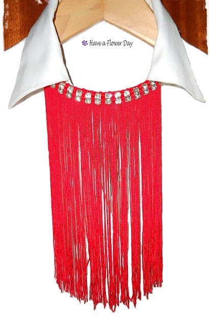 Collares flecos rojo· Red fringe necklaces