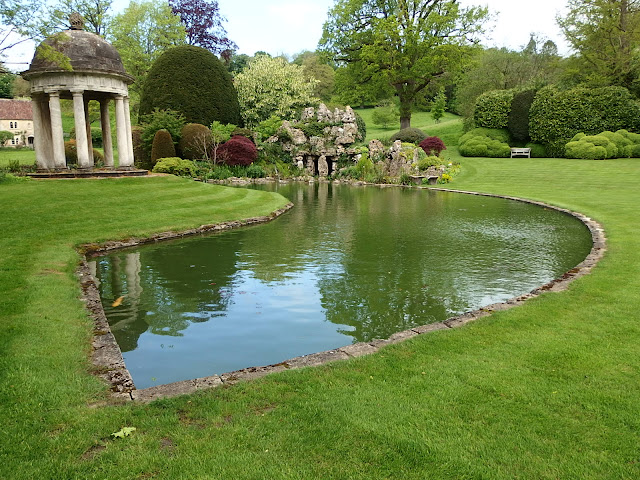 Pond, grotto and folly