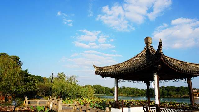 Visit Shanghu Fushui Villa and feel the color and classical meaning of late autumn