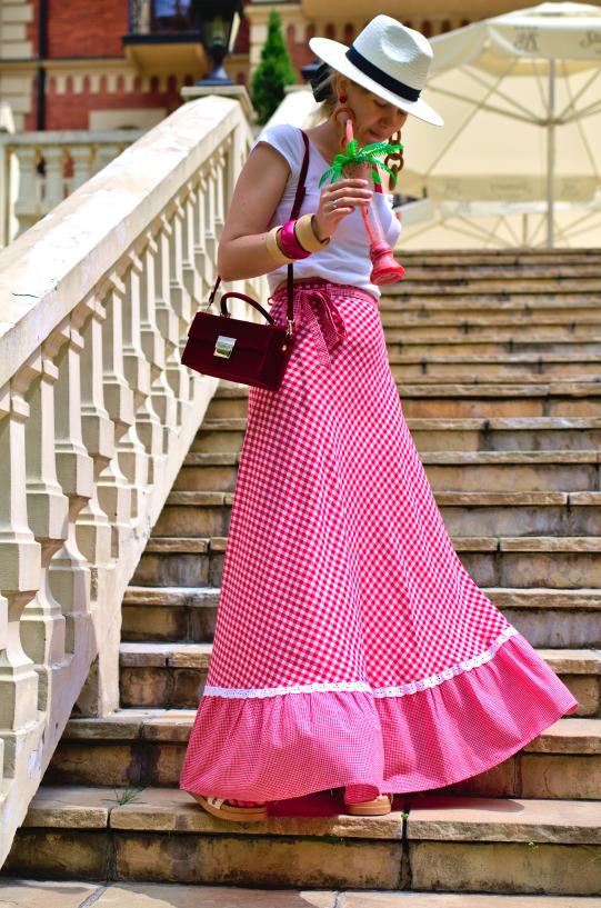 #Spódnica #maxi #krata #squared #maxiskirt #redmaxiskirt #squaredskirt #czerwonakrata #secondhand #fashion #inspiration #style #summer #lato #stylizacja
