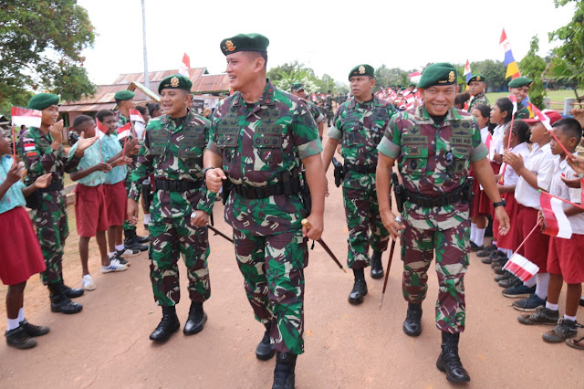 Pangdivif 2 Kostrad Kunjungi Satgas Pamtas RI-PNG Yonif MR 411/PDW Kostrad di Merauke