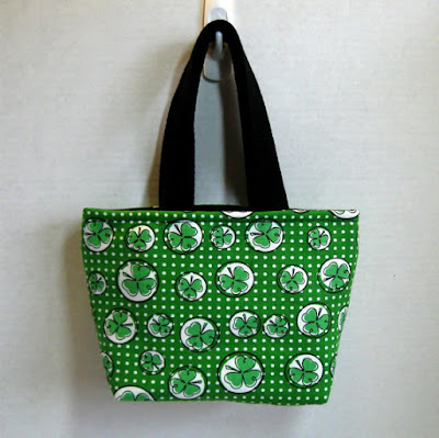 small shamrock project bag for knitters
