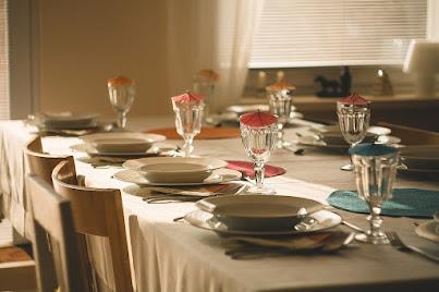 Arti mimpi makan bersama keluarga