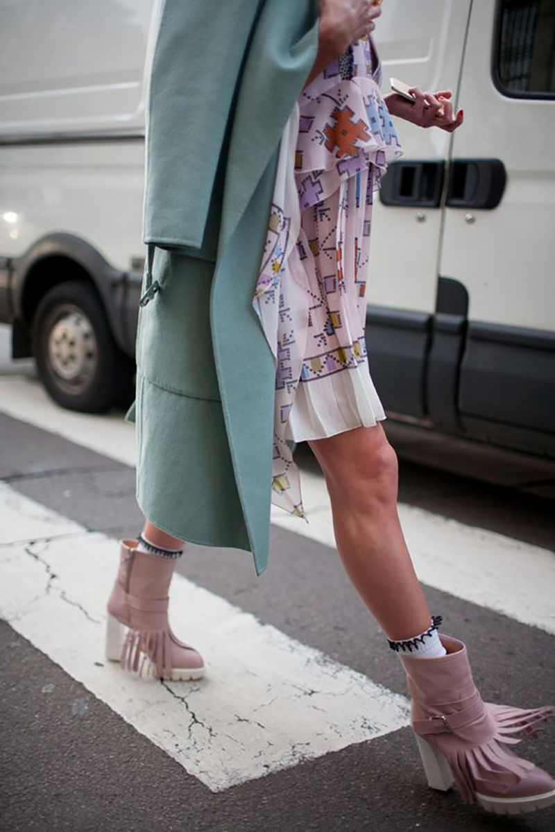 mint-green-color-spring-summer-2016-pantone-decor-fashion-home-decor-velvet-streetstyle