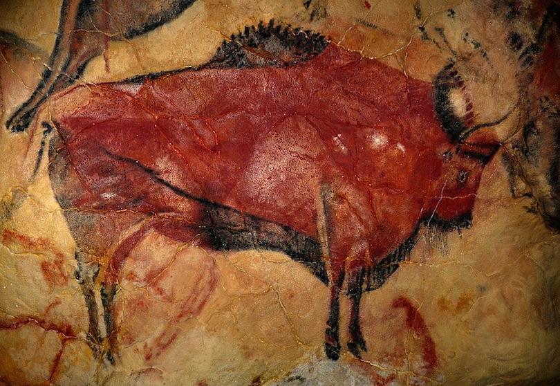 لوحات تاريخية مرسومة داخل الكهوف