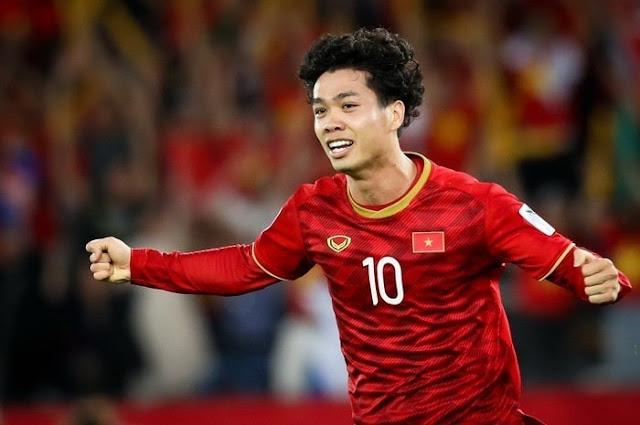 """Công Phượng - """"Ánh sáng"""" của bóng đá Việt Nam trên đất Bỉ"""