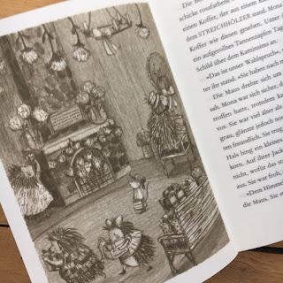 """""""Das kleine Waldhotel (Band 4): Ein Sommergast für Mona Maus"""" von Kallie George, illustriert von Stephanie Graegin,  Egmont Schneiderbuch, Kinderbuch ab 7 Jahren, Rezension auf Kinderbuchblog Familienbücherei"""