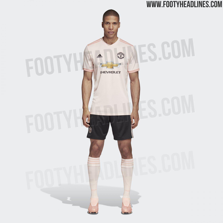 man united away kit 18/19