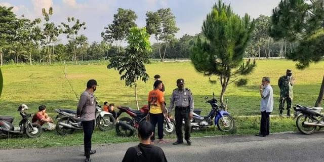 Banyak Penonton Pertandingan Sepakbola di Bubarkan Satgas Covid-19 Kacamatan Kutasari