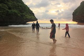 pantai greweng gunung kidul