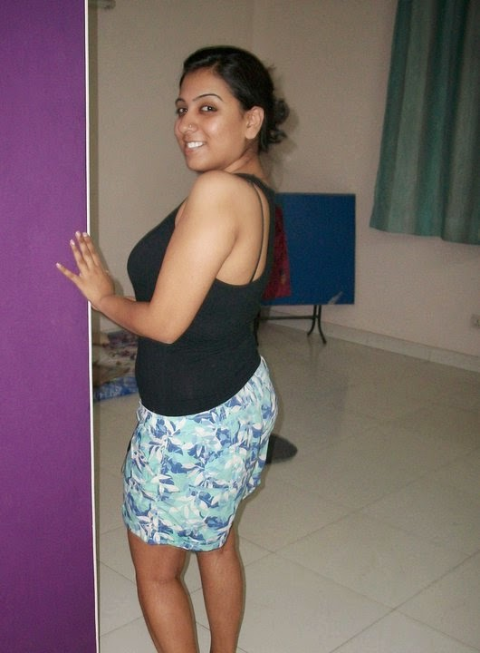 Sri Lankan Hot Desi Girls In Room Beautiful Photos -8465