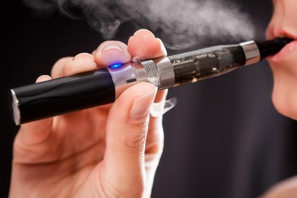 تقارير: أمريكا ستحظر هذا النوع من السجائر الإلكترونية
