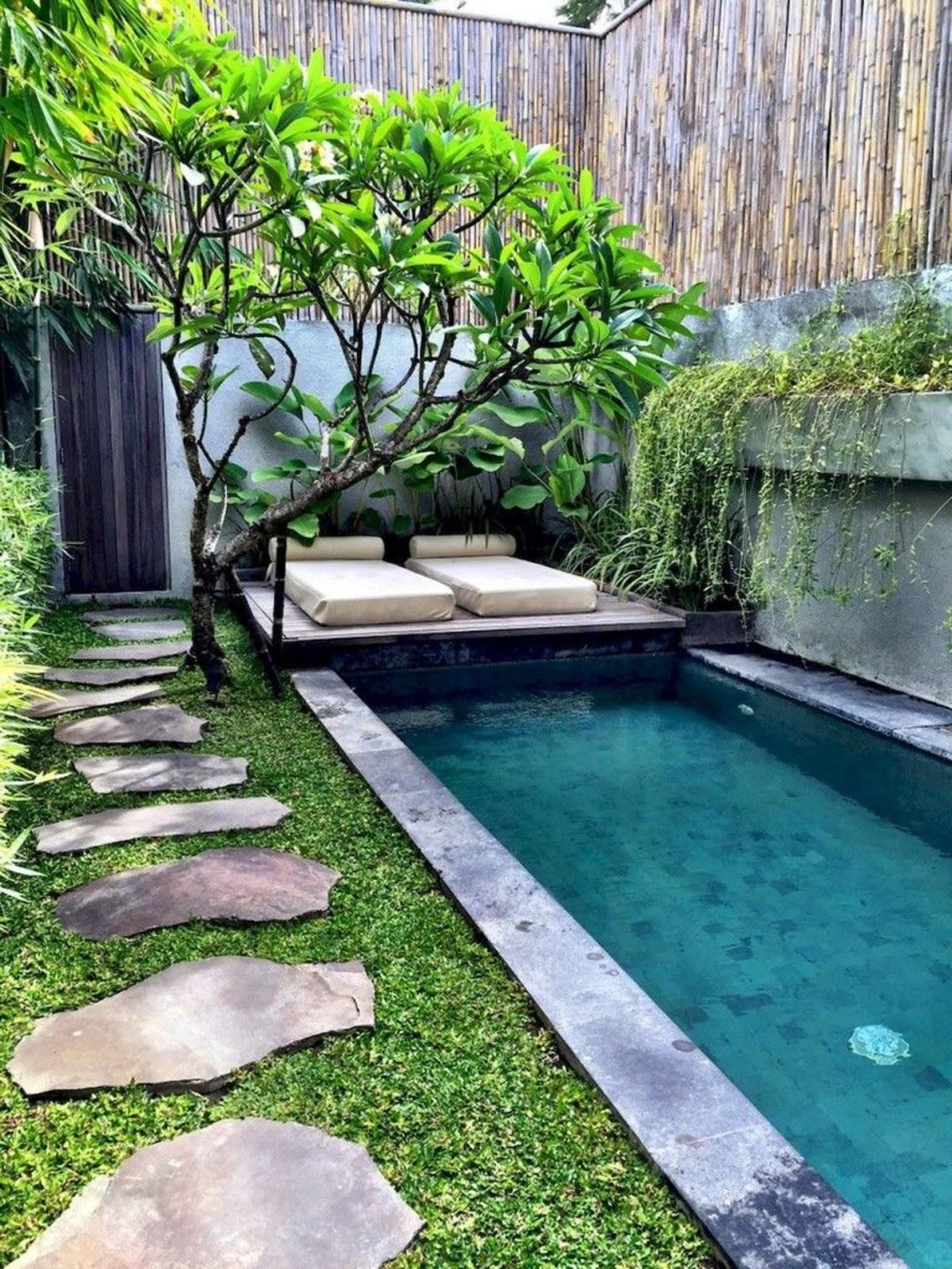 Amazing Small Garden Design to Beautify Your Backyard