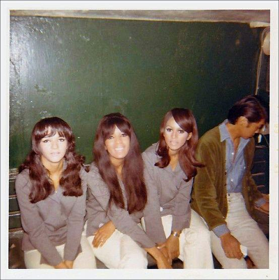 RETRO KIMMER'S BLOG: MASCARA AND MADNESS: RONNIE SPECTOR