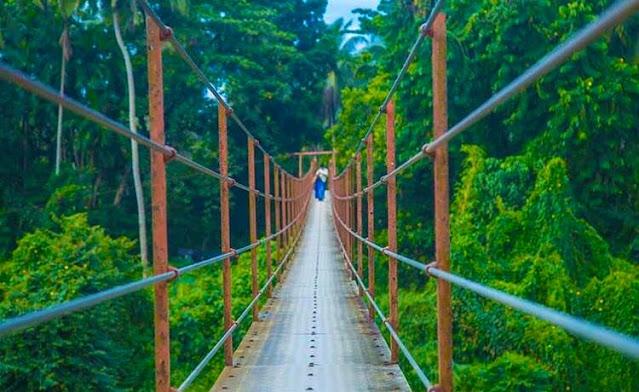 ලංකාවේ දිගම එල්ලෙන පාලම දිගේ යමුද 🌉👭👬 රුවන්වැල්ල එල්ලෙන පාලම (The Ruwanwella Suspension Bridge) - Your Choice Way