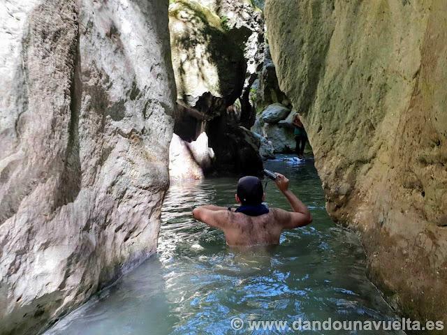 Altura agua río Bocaleones. Zahara de la Sierra