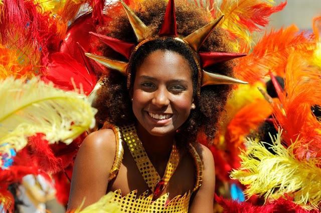 DÉGUISEMENT DE CARNAVAL : Culture, danse, événement, spectacle, tradition, ethnies, LEUKSENEGAL, Dakar, Sénégal, Afrique