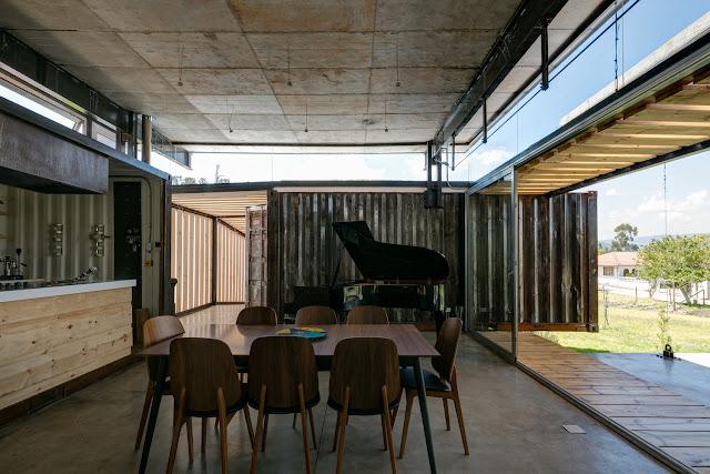 Casa RDP - Shipping Container Industrial Style House, Ecuador 17