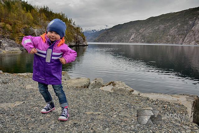 Najlepszy blog podróżniczy o podróżach z dziećmi. Hania, Wiki i Franek na tropie przygody. Hania poznaje świat