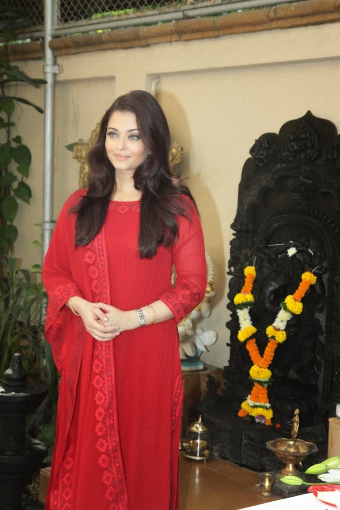 Aishwarya Rai Latest Photos In Red Dress