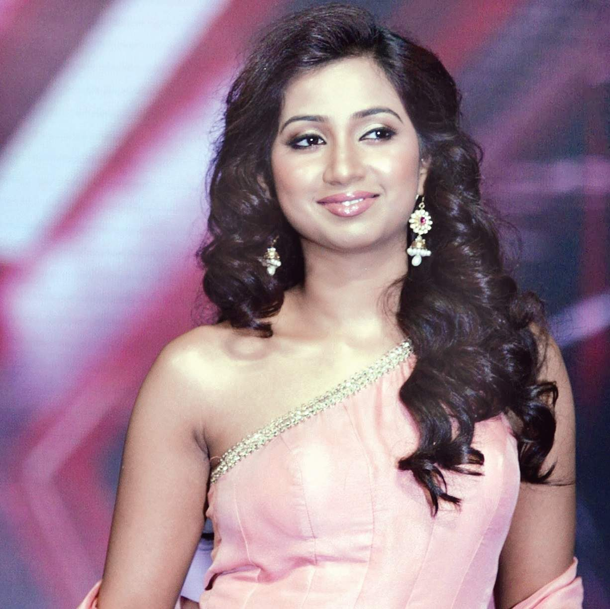 Shreya Ghoshal Beautiful Stylish Photos, Pictures - All -8727