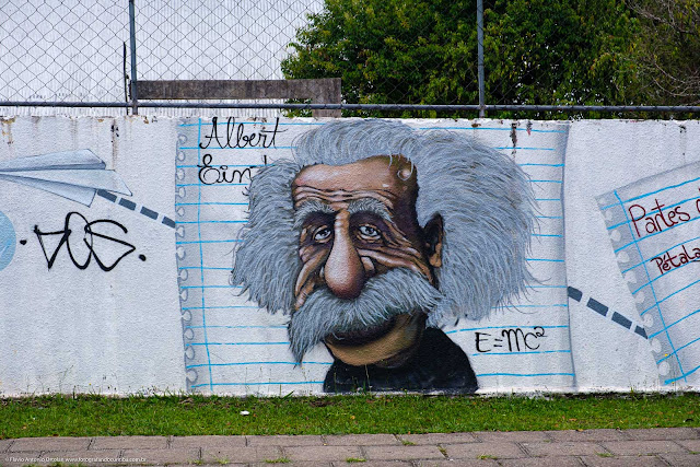 Albert Einstein em um grafite
