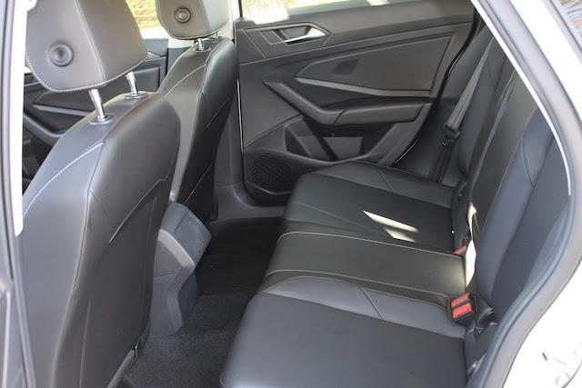 Novo VW Jetta 2019 - interior - espaço traseiro