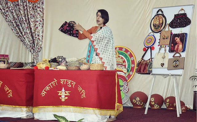 Reshma Kadvath teaching a green workshop on recycling to Army wives