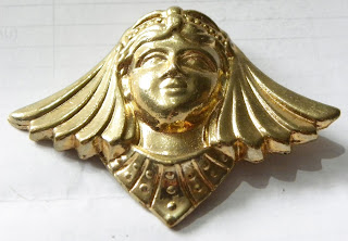 Egyptian king brooch gold