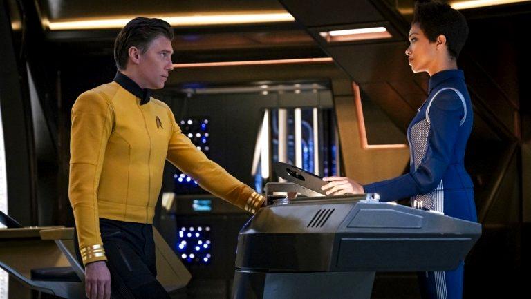 Capitão Pike e Michael Burnham
