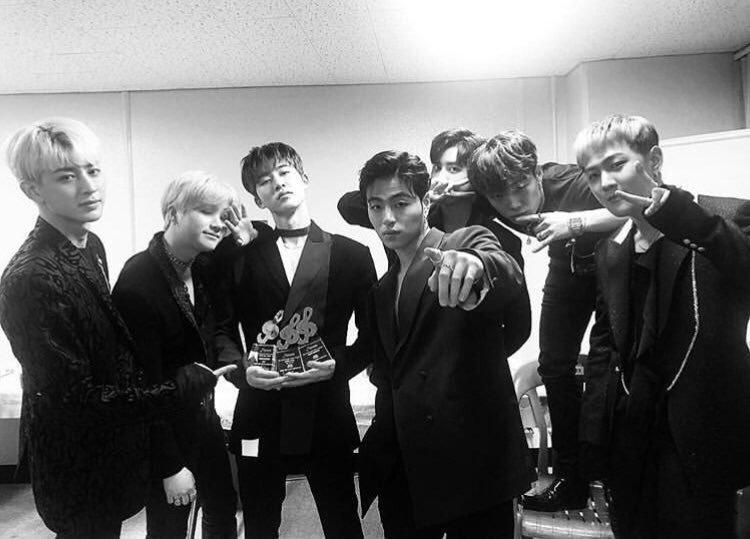 iKON Instagram Update about 8th Gaon Chart Music Awards - iKON Updates