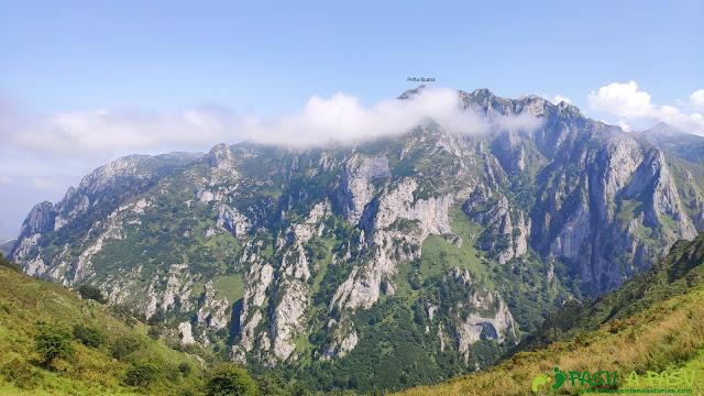 Vista de Peña Ruana desde el Collado Camba