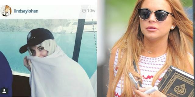 Lindsay Lohan Terlihat Membawa Qur'an