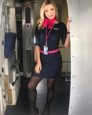 Flight Attendance Cabin Crew Pramugari manis dan seksi mut