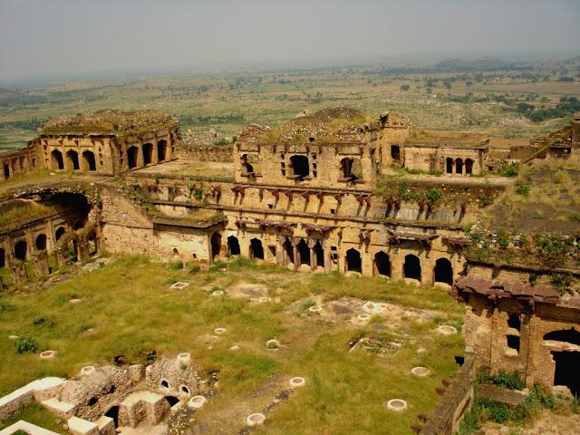 Garh-Kundar-Fort