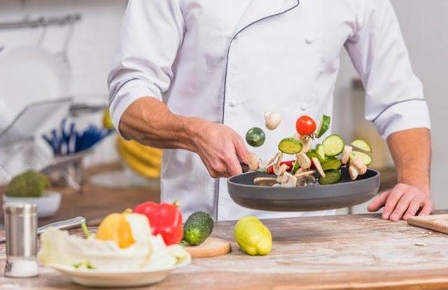 Εστιατόριο στο Ναύπλιο ζητάει μάγειρα