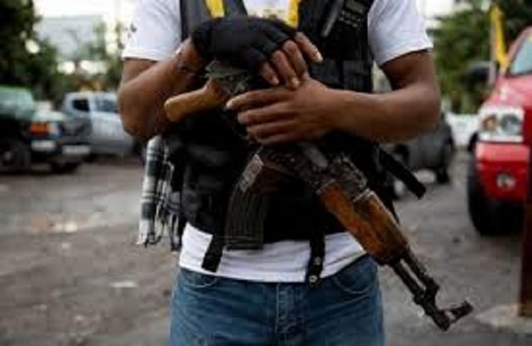 Sicarios irrumpe en hospital y golpea a personal en Puebla.