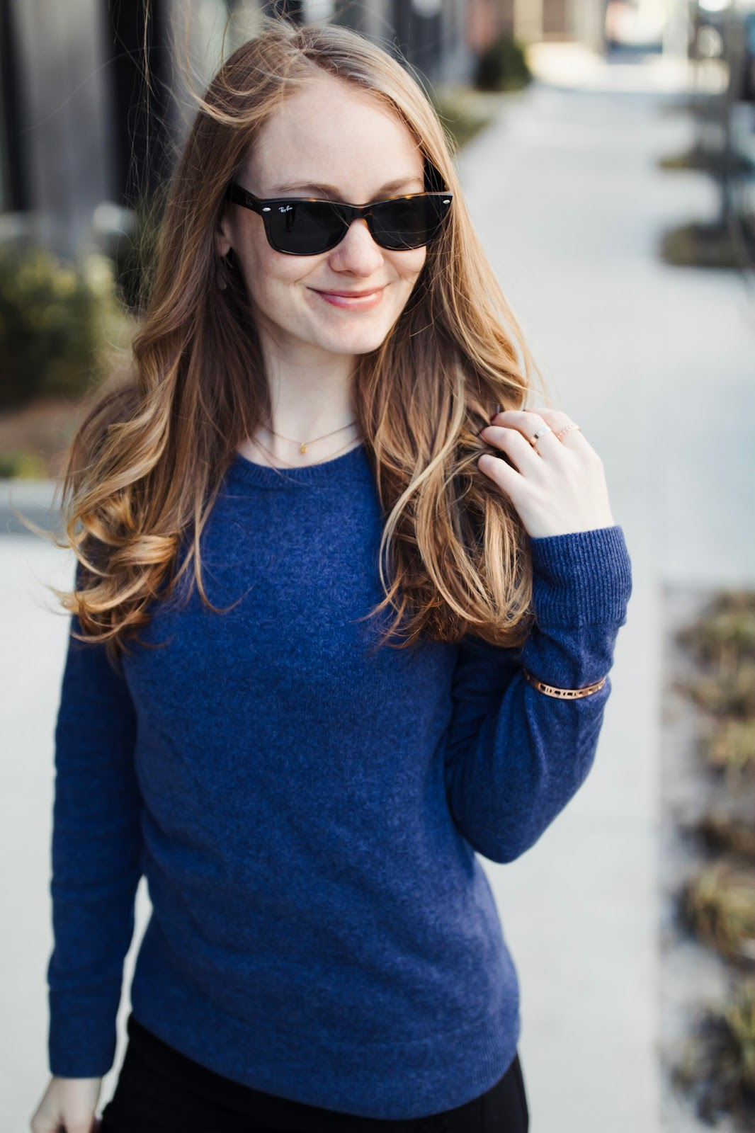 how-to-dress-for-style-and-comfort-blue-cashmere-sweater