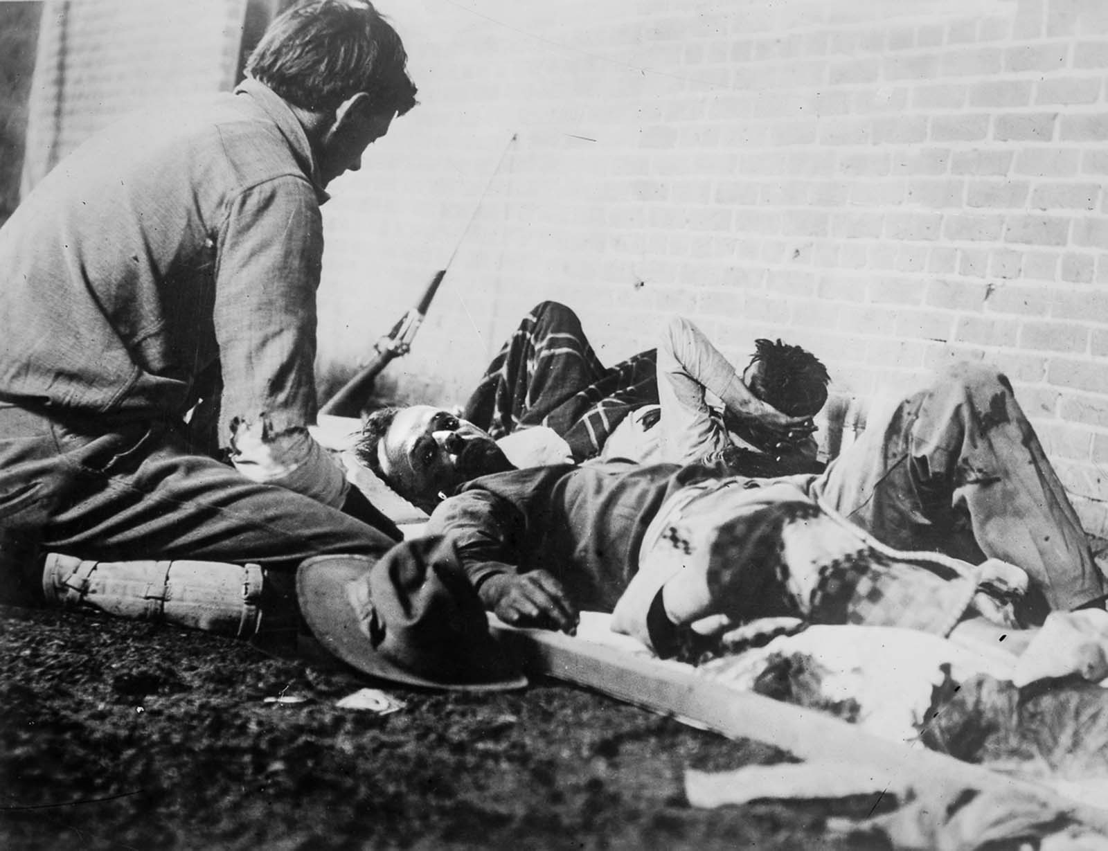 A soldier wounded in the battle for Ciudad Juárez receives treatment.