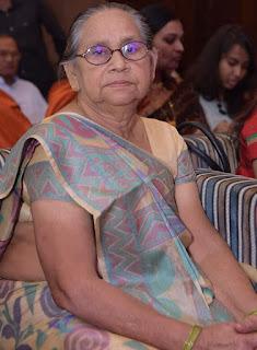 शिक्षक रमेश सिंह को मातृ शोक    #NayaSaberaNetwork
