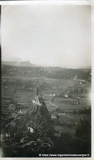 Eglise saint Michel d'Aiguilhe, Le Puy en Velay, 1936.