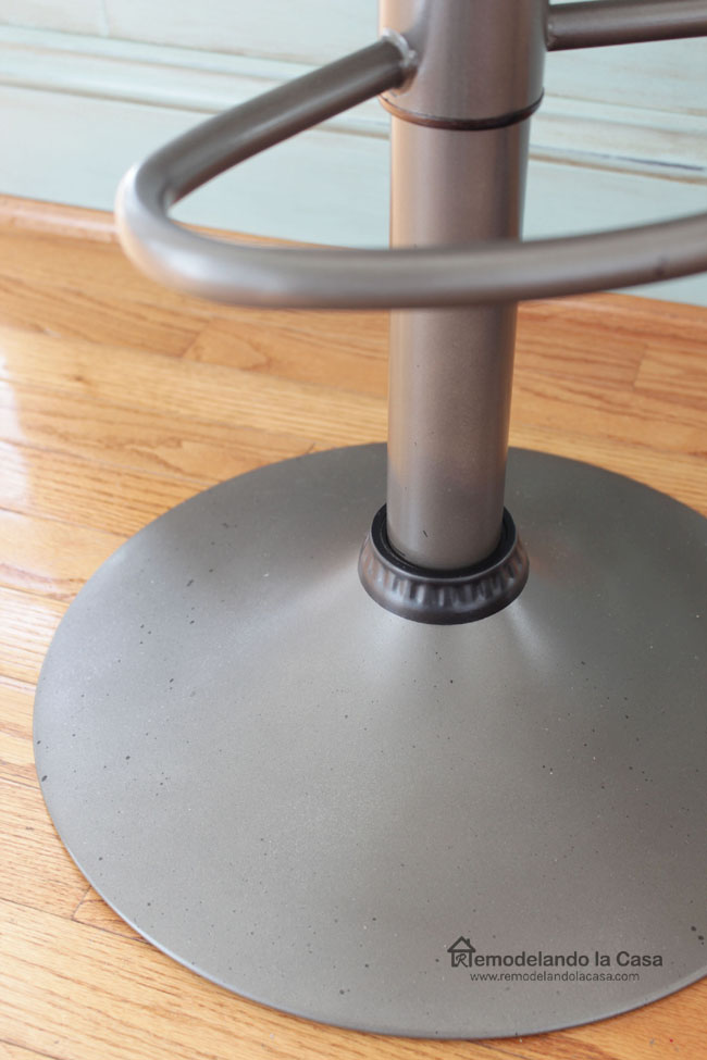 how to spray paint a metal bar stool.