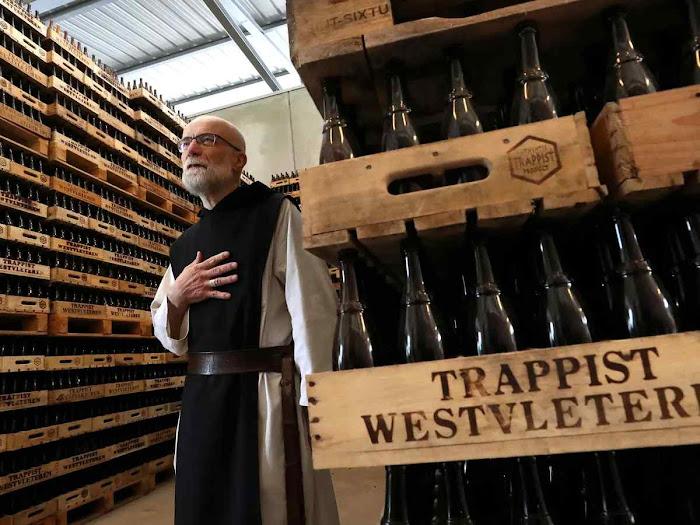 Pequena cervejaria de monges faz a melhor cerveja do mundo.