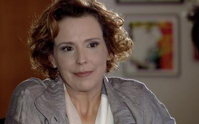 Ana Beatriz Nogueira interpreta Eva em A Vida da Gente; megera vai faturar mesmo com filha em coma