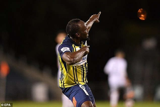 Usain Bolt scores first two goals in professional football (Videos)