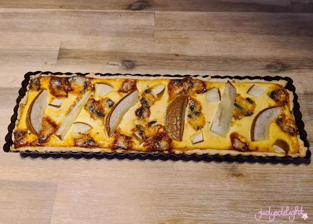 herzhafter Kuchen - Meerrettich Tarte mit Birne und Blauschimmelkäse