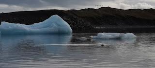 Laguna Glaciar Jökulsárlón y la lengua glaciar Breiðamerkurjökull.