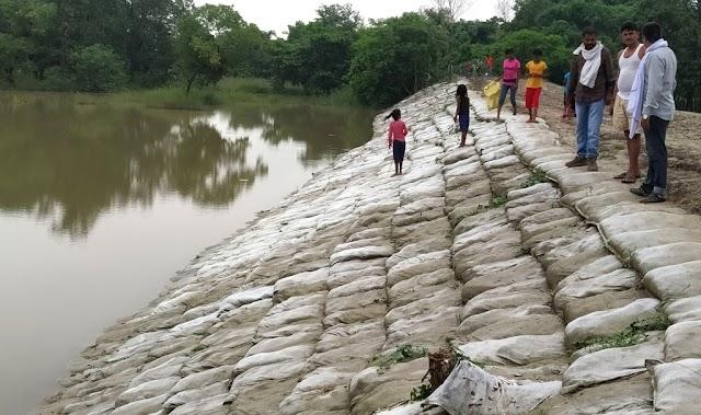 भारी बारिश से लोगों में बढ़ रहा बाढ़ का खौफ, जलस्तर स्थिर