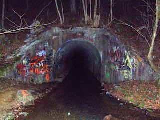Historias de terror : El túnel de Sensabaugh
